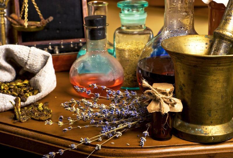 Поиск эликсира жизни: Что хотели найти алхимики и китайские императоры